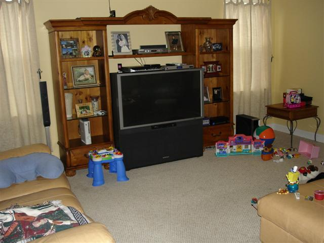 Photo 08 - The Family Room - a